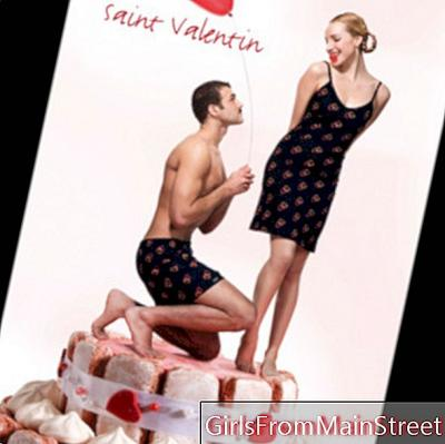 Valentine's day couple: wear matching lingerie!