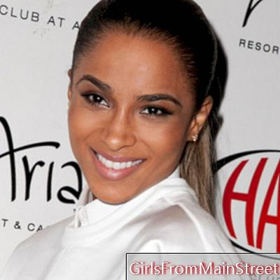 Ciara възприема блестящо мокрия вид в Лас Вегас