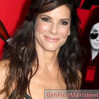 The wavy siren of Sandra Bullock
