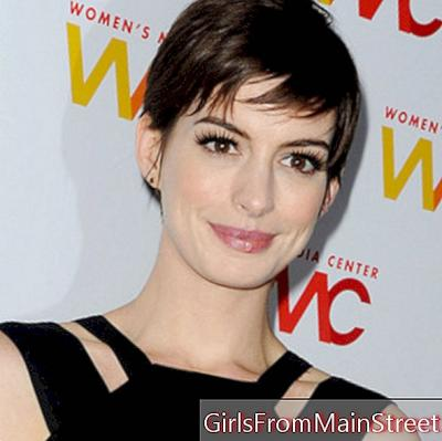 Anne Hathaway and her chic and glamorous look