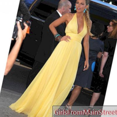 Strahlender Blake Lively im Gucci Goddess Dress