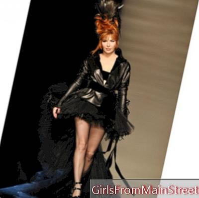 Mylène Farmer creates the event at the Jean-Paul Gaultier fashion show