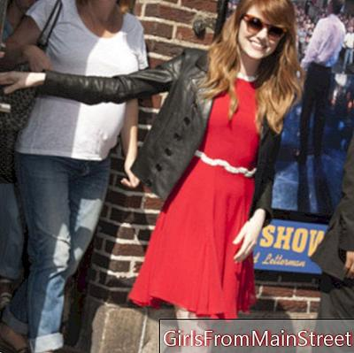 Look of the day: Emma Stone all spruce up in Manhattan